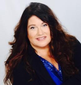 Meet Dr Denise color